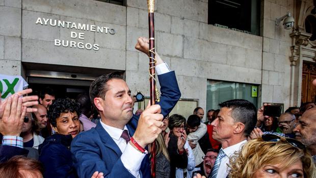 El nuevo alcalde de Burgos, Daniel de la Rosa, el pasado sábado, tras la constitución del Ayuntamiento
