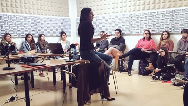Vidina Espino con estudiantes de Periodismo de la Universidad de La Laguna cuando no militaba en Cs