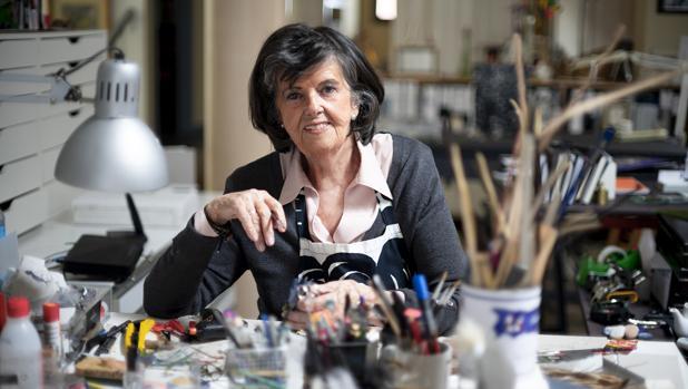 Durante los últimos veinte años, Manuela Sanz, utilizando los más diversos y sencillos materiales, ha creado cerca de un millar de bichos (Foto, Miguel Calatayud)