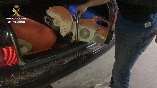 Una de las herramientas con las que los ladrones reventaban los cajeros automáticos una vez arrancados