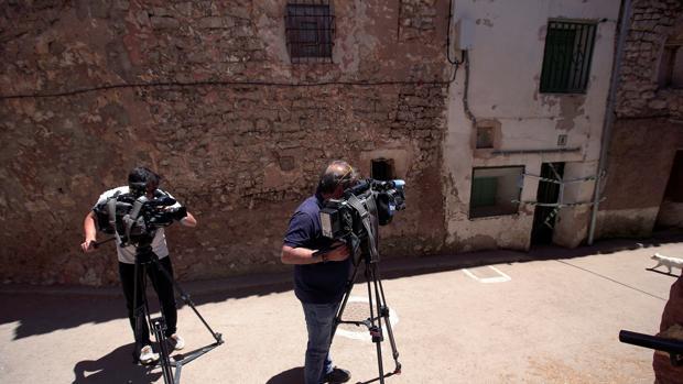 La casa de Pozondón (Teruel) en la que se produjo el macabro hallazgo