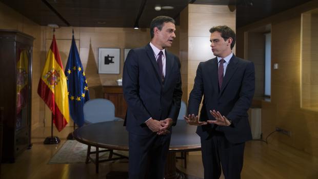 Pedro Sánchez y Albert Rivera, en su encuentro en el Congreso la semana pasada