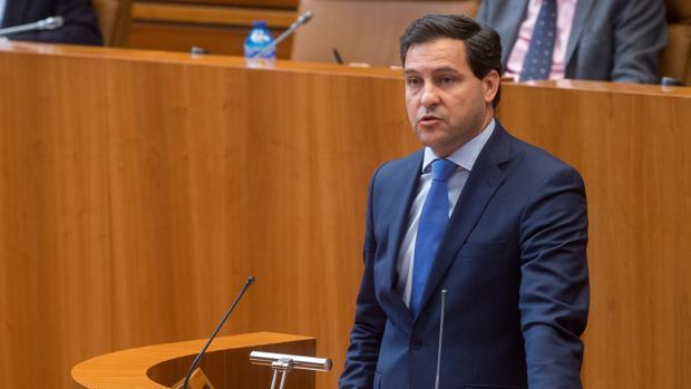 Raúl de la Hoz, durante una intervención en un pleno de las Cortes, la pasada legislatura
