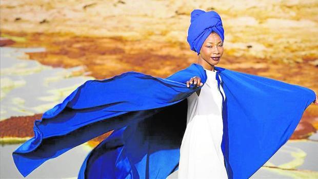 La artista maliense no ha querido suspender su concierto en la capital