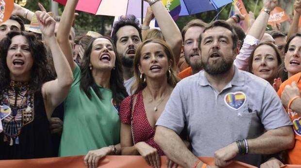 La comitiva de Ciudadanos fue increpada en la manifestación del orgullo