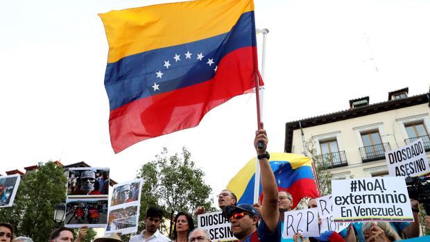 Manifestación de venezolanos residentes en Madrid para pedir una «intervención humanitaria»