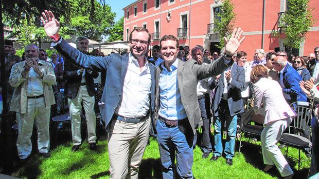 Javier Maroto y Pablo Casado, en un acto político celebrado en Ávila