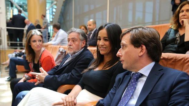 En imagen, Martinez-Almeida, Villacís, Pepu Hernández y Andrea Levy