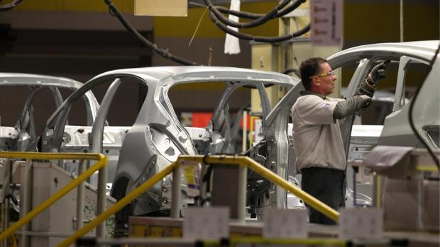 La factoría de Opel en Figueruelas (Zaragoza) es la mayor fábrica de Aragón
