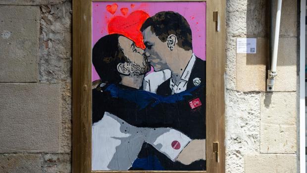 Obra del grafitero Tvboy que luce en Barcelona