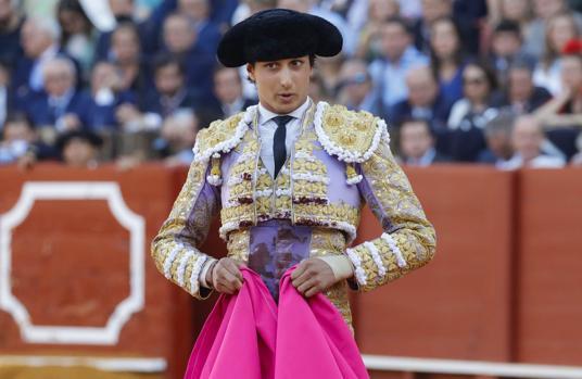 Andrés Roca Rey sufre una lesión cervical, que le afecta a la espalda y el hombro derecho