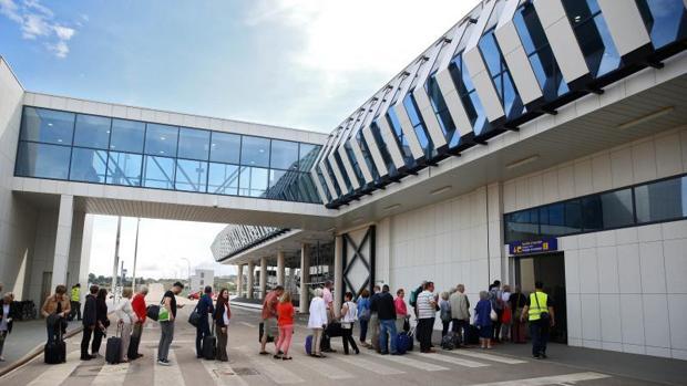 Tránsito de pasajeros en el aeropuerto de Castellón