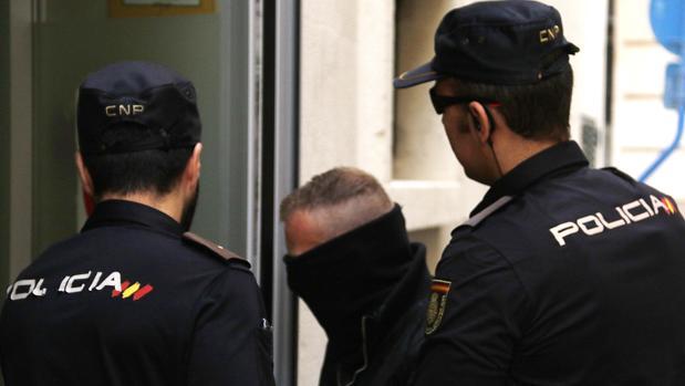 Imagen de archivo de la detención de un hombre por la Policía