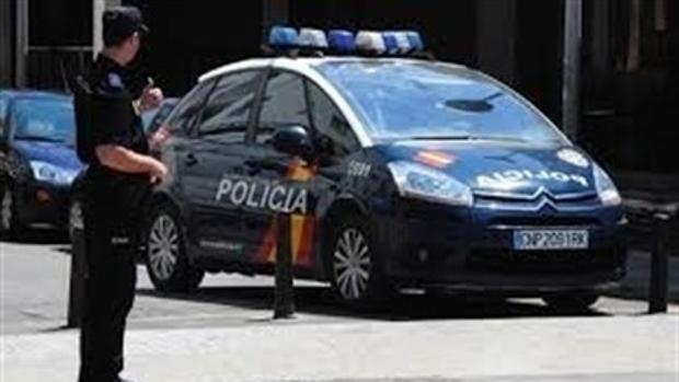 Agentes de la Policía Nacional en la localidad de Puertollano