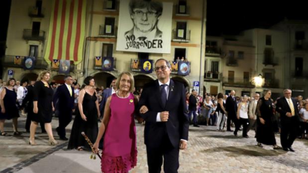 Quim Torra, con la alcaldesa de Amer