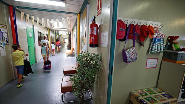 Escolares en un centro público de Valencia