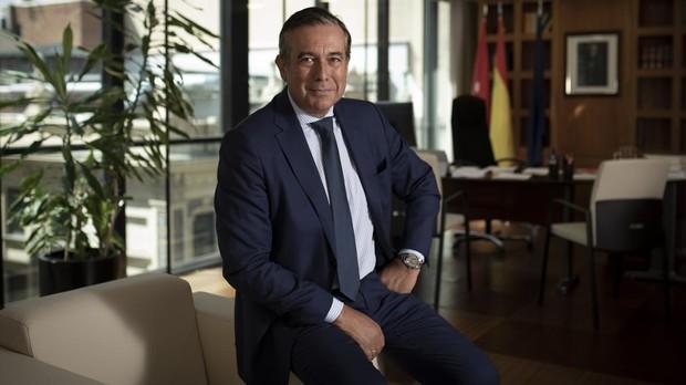 Enrique López posa para ABC tras la entrevista