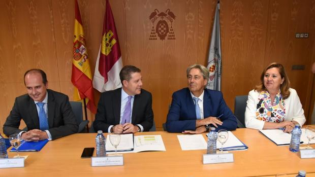 El presidente García-Page, con el rector de la UAH, el alcalde de Guadalajara y la consejera de Educación