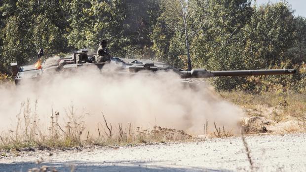 Carro de combate Leopardo, en un ejercicio este mes en la base de Adazi (Letonia)