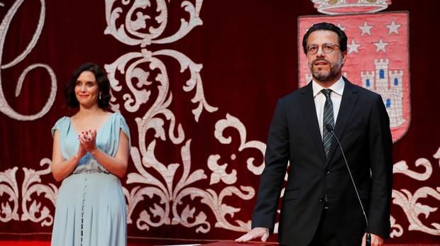 Díaz Ayuso y Fernández-Lasquetty, durante la toma de posesión del consejero