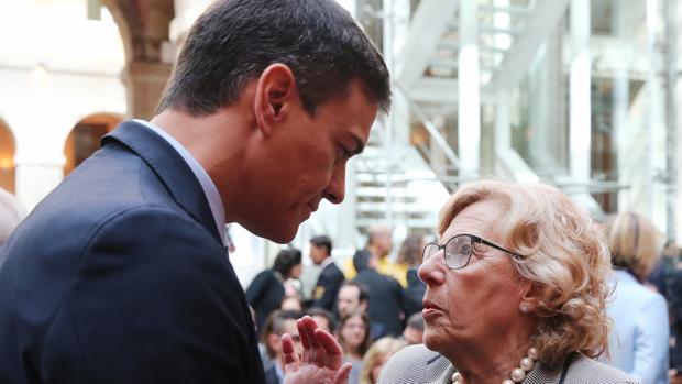 Pedro Sánchez y Manuela Carmena, en una imagen de archivo