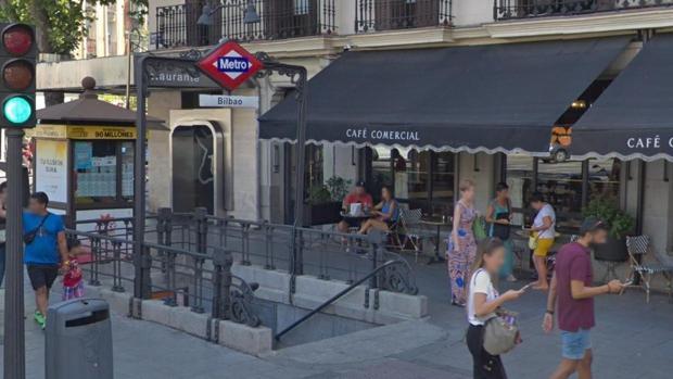 Acceso a la estación de Metro de Bilbao