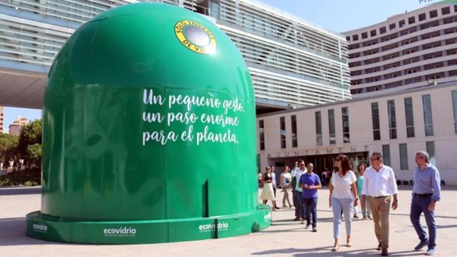 Multas de 650 euros a bares y restaurantes de Valencia que no reciclen vidrio