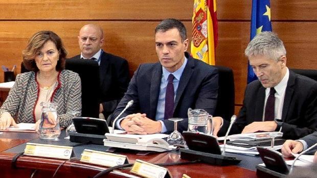 Sánchez viaja este lunes a Cataluña para visitar a los agentes heridos en los disturbios