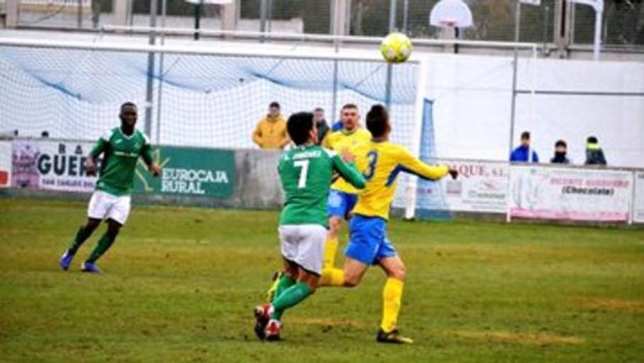0-1: el Toledo gana en La Solana y se pone líder de la tabla