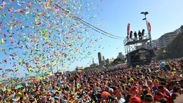 Vista desde el escenario de la Avenida Anaga durante las fiestas del Carnaval
