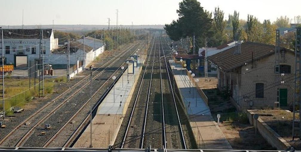 Alertan de la falta de personal en la estación de Villacañas para regular el tráfico de trenes