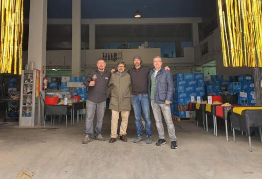 Los cuatro socios de la empresa Cervezas Tormo, en sus instalaciones de Cuenca