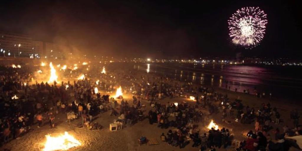 Las playas de La Coruña permanecerán precintidas en la noche de San Juan