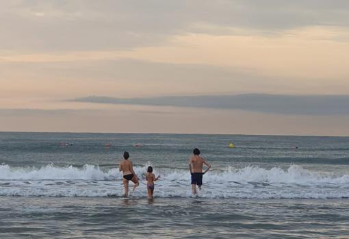 Imagen tomada este lunes en la playa del Cabanyal de Valencia