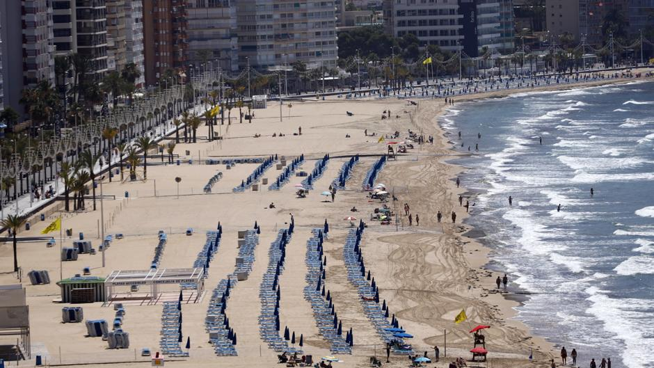 El Vídeo De La Sorprendente Imagen De Las Playas De Benidorm Blindadas Ante El Coronavirus