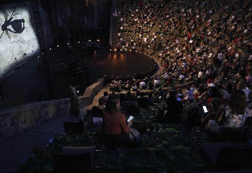 Vista de la grada del Grec durante el estreno del festival
