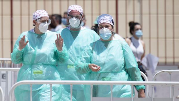 Sanitarios durante la crisis del coronavirus, en una imagen de archivo