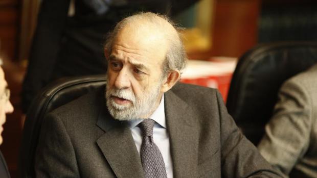 La juez pide al Supremo que investigue al magistrado del TC Fernando Valdés ante indicios de malos tratos