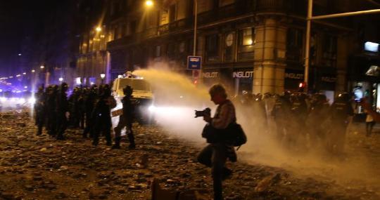 Enfrentamientos en Barcelona ras la sentencia del 1-O