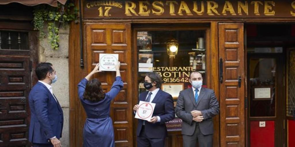 Reservas por teléfono y registro de clientes en los restaurantes