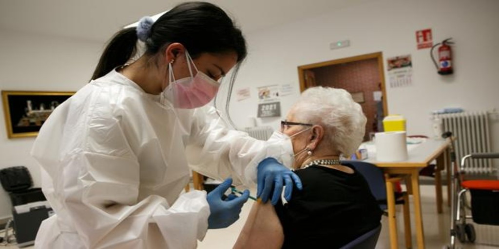 Castilla y León ya ha completado la vacunación contra el Covid-19 de más de 13.200 personas