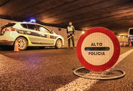 Control en uno de los accesos principales a la ciudad, desde Valencia