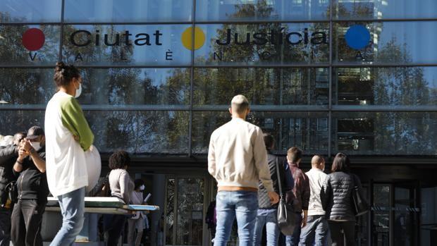 Un juzgado de Valencia reconoce la pensión de viudedad a una víctima de violencia machista