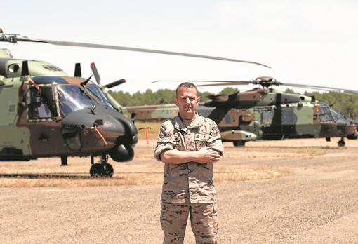 El comandante Miguel Ángel Macías, al frente de la unidad 'Maspuhel I'