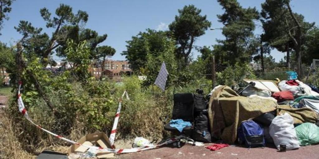 Los vecinos llevan años denunciando la degradación del parque del asesinato de un argelino
