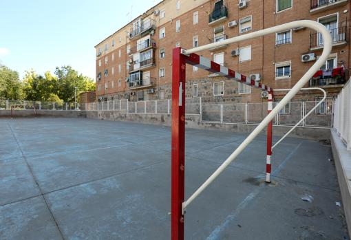 Abandonment of sports facilities
