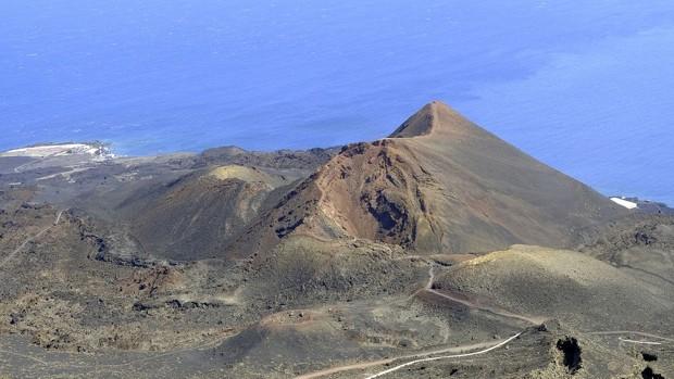 El volcán de La Palma soltaría magma equivalente a 3.259 piscinas olímpicas si entrase en erupción