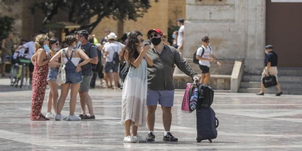 La Comunidad Valenciana consolida el descenso del coronavirus y roza el riesgo bajo de propagación