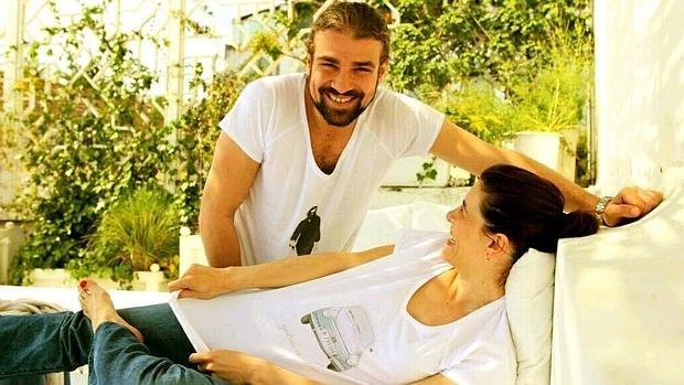 Mario Biondo y Raquel Sánchez Silva en una imágen que la presentadora compartió en Twitter