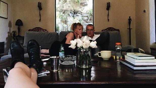La joven ha compartido una imagen de sus padres en su cuenta oficial